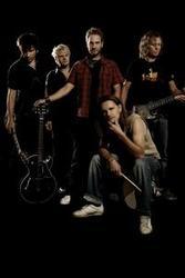 Découper gratuitement les chansons Renegade Five en ligne.