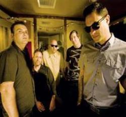 Télécharger gratuitement les sonneries Punk rock Strung Out.