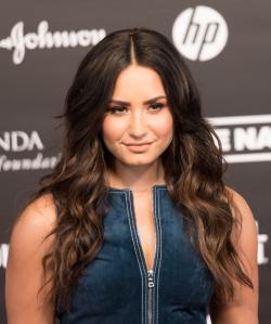 Télécharger gratuitement les sonneries Demi Lovato.